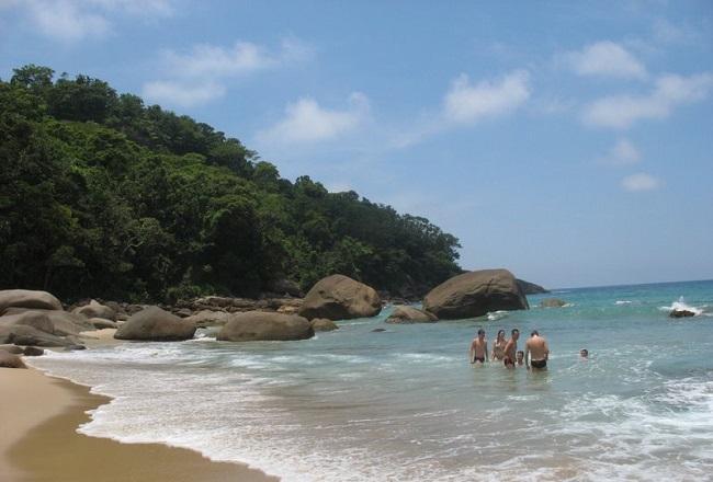 Praia Brava em Trindade